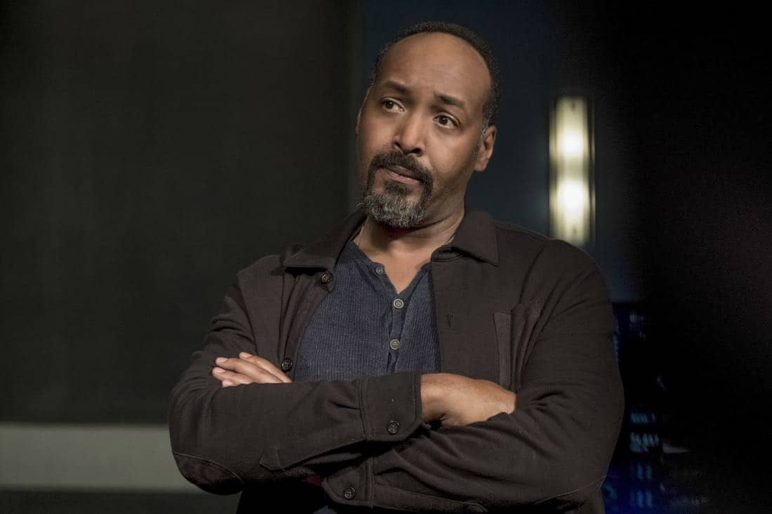 "The Flash -- ""Luck Be a Lady"" -- Image Number: FLA403b_0215.jpg -- Pictured: Jesse L. Martin as Detective Joe West ñ Photo: Katie Yu/The CW -- © 2017 The CW Network, LLC. All rights reserved."