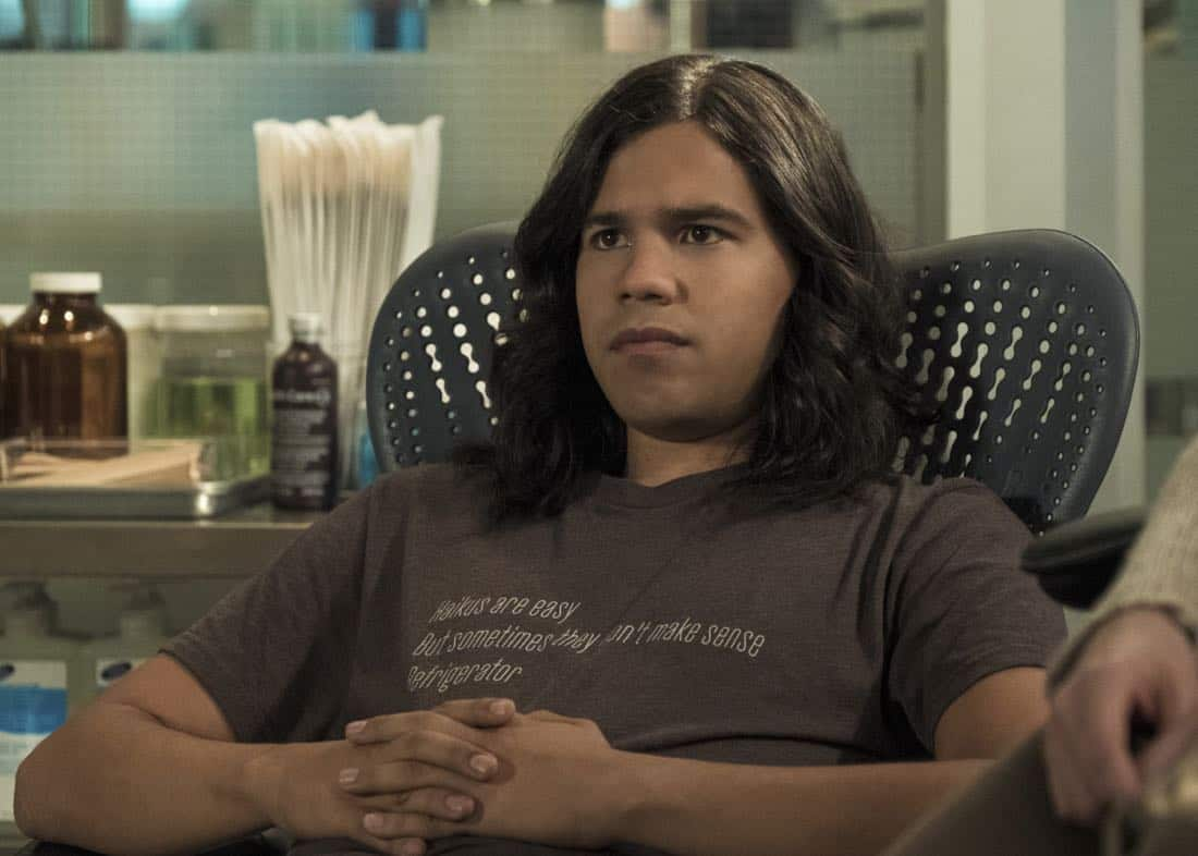 "The Flash -- ""Luck Be a Lady"" -- Image Number: FLA403b_0231.jpg -- Pictured: Carlos Valdes as Vibe ñ Photo: Katie Yu/The CW -- © 2017 The CW Network, LLC. All rights reserved."
