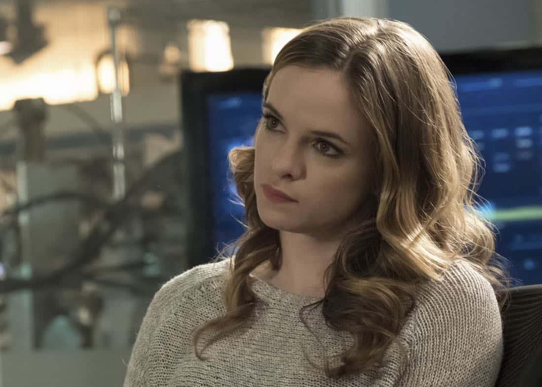 "The Flash -- ""Luck Be a Lady"" -- Image Number: FLA403b_0240.jpg -- Pictured: Danielle Panabaker as Caitlin Snowñ Photo: Katie Yu/The CW -- © 2017 The CW Network, LLC. All rights reserved."