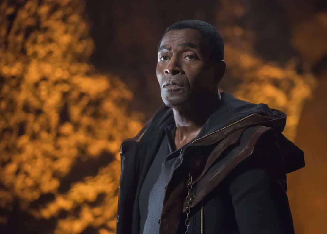 "Supergirl -- ""Far From The Tree"" -- SPG303b_0220.jpg -- Pictured: Carl Lumbly as Myr'nn Martian -- Photo: Dean Buscher/The CW -- © 2017 The CW Network, LLC. All Rights Reserved"