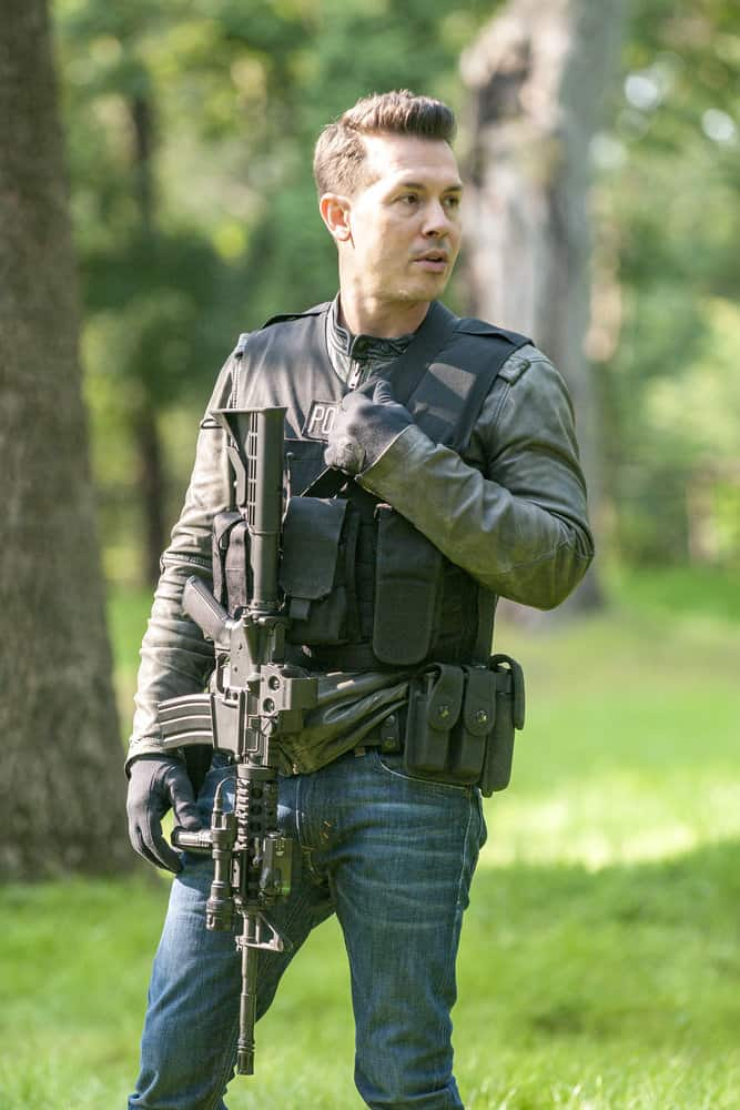 "CHICAGO P.D. -- ""Home"" Episode 505 -- Pictured: Jon Seda as Antonio Dawson -- (Photo by: Matt Dinerstein/NBC)"