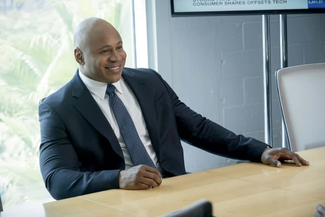 """Mountebank"" -- Pictured: LL COOL J (Special Agent Sam Hanna). Sam goes undercover as a day trader after a prominent investment banker with ties to a Russian oligarch is murdered. Also, one of Callen's aliases is the victim of credit card theft, and Mosley is concerned it signals something bigger, on NCIS: LOS ANGELES, Sunday, Oct. 29 (9:00-10:00 PM, ET/PT) on the CBS Television Network. Photo: Monty Brinton/CBS ©2017 CBS Broadcasting, Inc. All Rights Reserved."