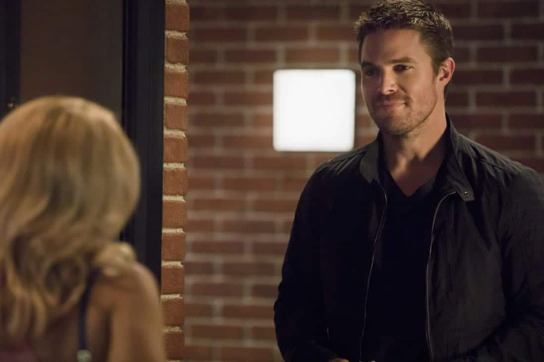 """Arrow -- """"Next of Kin"""" -- Image AR603a_0033b.jpg -- Pictured: Stephen Amell as Oliver Queen/The Green Arrow -- Photo: Jack Rowand/The CW -- © 2017 The CW Network, LLC. All Rights Reserved."""