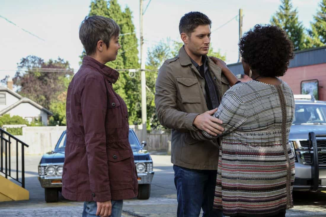 "Supernatural -- ""Patience"" -- Image Number: SN1303b_0245b.jpg -- Pictured (L-R): Kim Rhodes as Jody Mills, Jensen Ackles as Dean and Loretta Devine as Missouri -- Photo: Bettina Strauss/The CW -- © 2017 The CW Network, LLC All Rights Reserved."