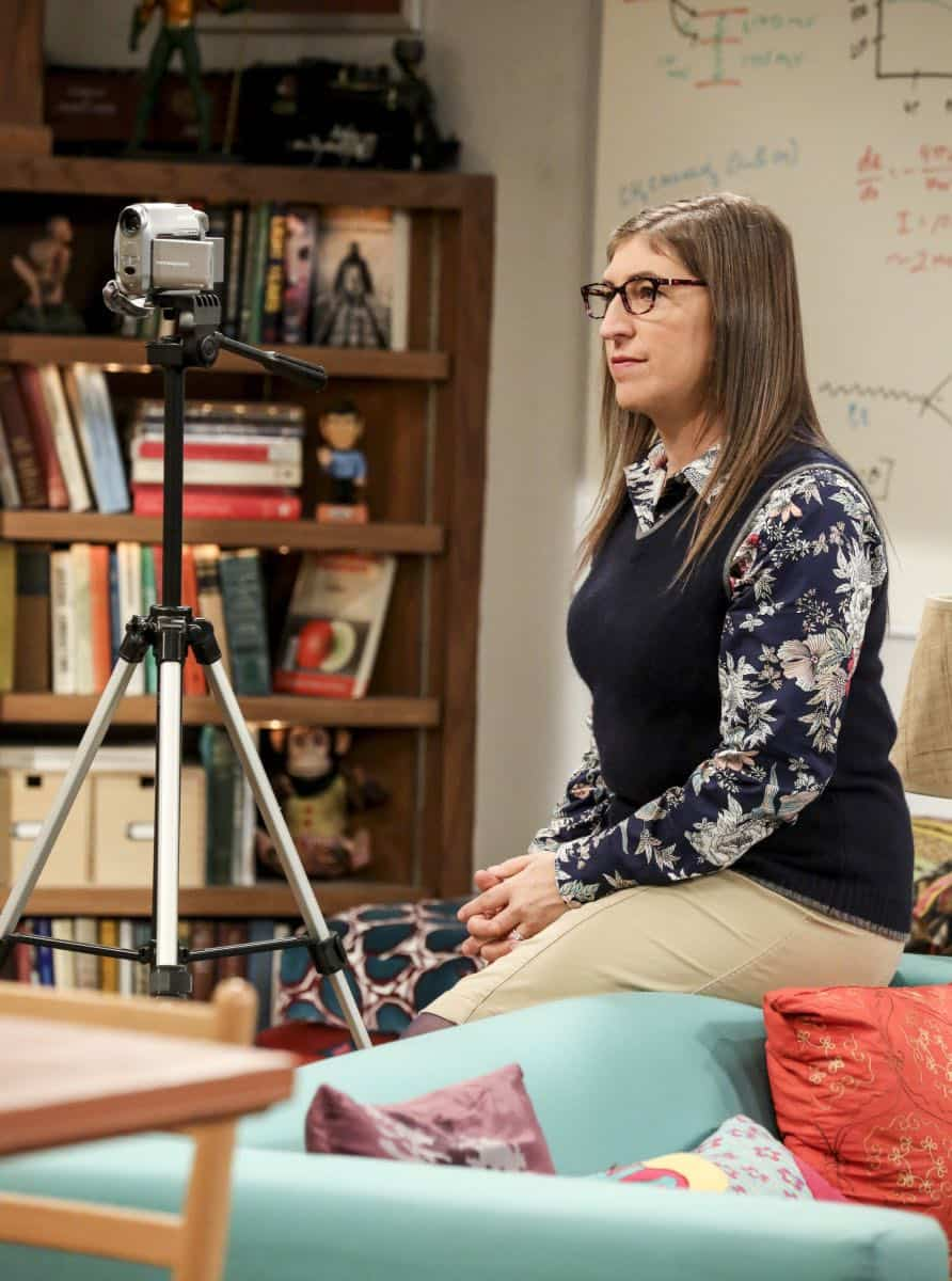 """The Proton Regeneration"" -- Pictured: Amy Farrah Fowler (Mayim Bialik). Sheldon goes head-to-head with Wil Wheaton for the role of the new Professor Proton. Also, Penny steps in to take care of Halley when Bernadette and Wolowitz both wind up on bed rest, when THE BIG BANG THEORY moves to its regular time period, Thursday, Nov. 2 (8:00-8:31 PM, ET/PT), on the CBS Television Network. Photo: Michael Yarish/CBS ©2017 CBS Broadcasting, Inc. All Rights Reserved."
