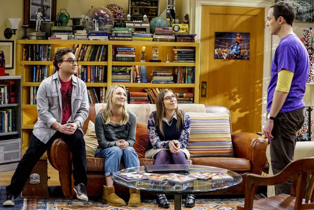 """The Proton Regeneration"" -- Pictured: Leonard Hofstadter (Johnny Galecki), Penny (Kaley Cuoco), Amy Farrah Fowler (Mayim Bialik) and Sheldon Cooper (Jim Parsons). Sheldon goes head-to-head with Wil Wheaton for the role of the new Professor Proton. Also, Penny steps in to take care of Halley when Bernadette and Wolowitz both wind up on bed rest, when THE BIG BANG THEORY moves to its regular time period, Thursday, Nov. 2 (8:00-8:31 PM, ET/PT), on the CBS Television Network. Photo: Sonja Flemming/CBS ©2017 CBS Broadcasting, Inc. All Rights Reserved."