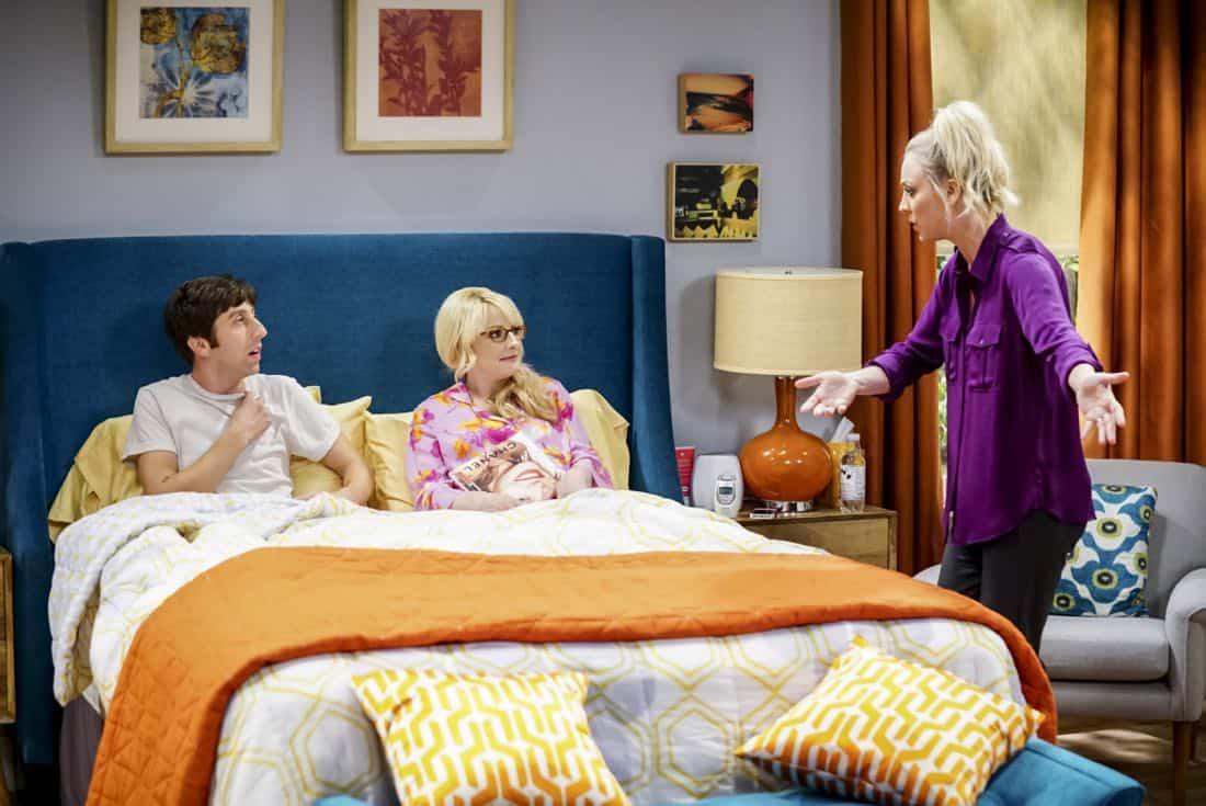 """The Proton Regeneration"" -- Pictured: Howard Wolowitz (Simon Helberg), Bernadette (Melissa Rauch) and Penny (Kaley Cuoco). Sheldon goes head-to-head with Wil Wheaton for the role of the new Professor Proton. Also, Penny steps in to take care of Halley when Bernadette and Wolowitz both wind up on bed rest, when THE BIG BANG THEORY moves to its regular time period, Thursday, Nov. 2 (8:00-8:31 PM, ET/PT), on the CBS Television Network. Photo: Sonja Flemming/CBS ©2017 CBS Broadcasting, Inc. All Rights Reserved."