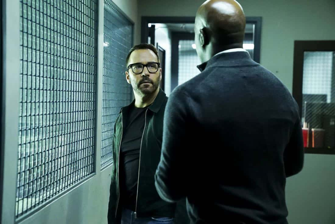"""Clear History"" -- Pictured: Jeremy Piven as Jeffrey Tanner. Tanner's previous company claims Sophe was created using their copyrighted codes and legally threatens to shut down the organization.  Also, Cavanaugh works with Tanner to solve the murder of a retired detective after his boss removes him from the case due to a personal connection with the family, on WISDOM OF THE CROWD, Sunday, Oct. 29 (8:00-9:00 PM, ET/PT), on the CBS Television Network. Photo: Sonja Flemming/CBS ©2017 CBS Broadcasting, Inc. All Rights Reserved."