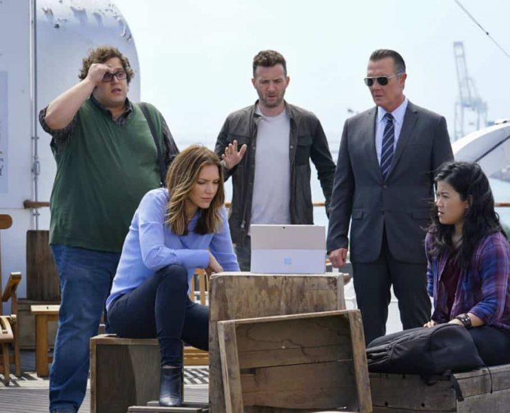 """Queen Scary"" -- At Halloween, Team Scorpion takes on a case to prove the existence of ghosts on the Queen Mary but find an all-too-real disaster when they locate a ""ghost ship"" on a deadly collision course. Also, Walter considers taking note of Paige's interests to benefit their relationship, on SCORPION, Monday, Oct. 30 (10:00-11:00 PM, ET/PT) on the CBS Television Network. Pictured: Ari Stidham, Katharine McPhee, Eddie Kaye Thomas, Robert Patrick, Jadyn Wong . Photo: Cliff Lipson/CBS ©2017 CBS Broadcasting, Inc. All Rights Reserved"