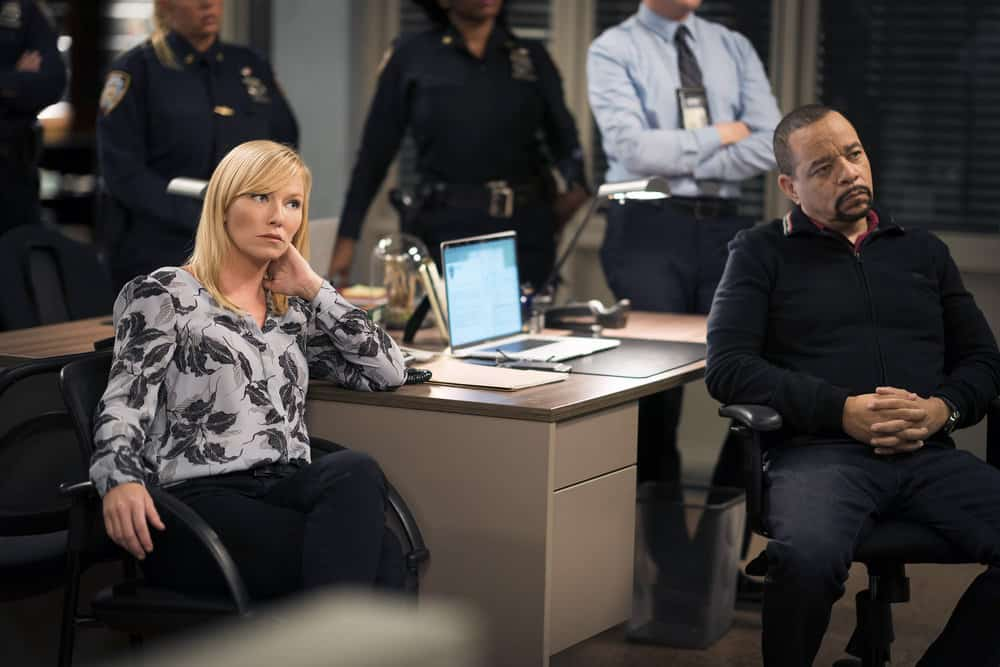 "LAW & ORDER: SPECIAL VICTIMS UNIT -- ""Complicated"" Episode 1905 -- Pictured: (l-r) Kelli Giddish as Detective Amanda Rollins, Ice T as Detective Odafin ""Fin"" Tutuola -- (Photo by: Michael Parmelee/NBC)"