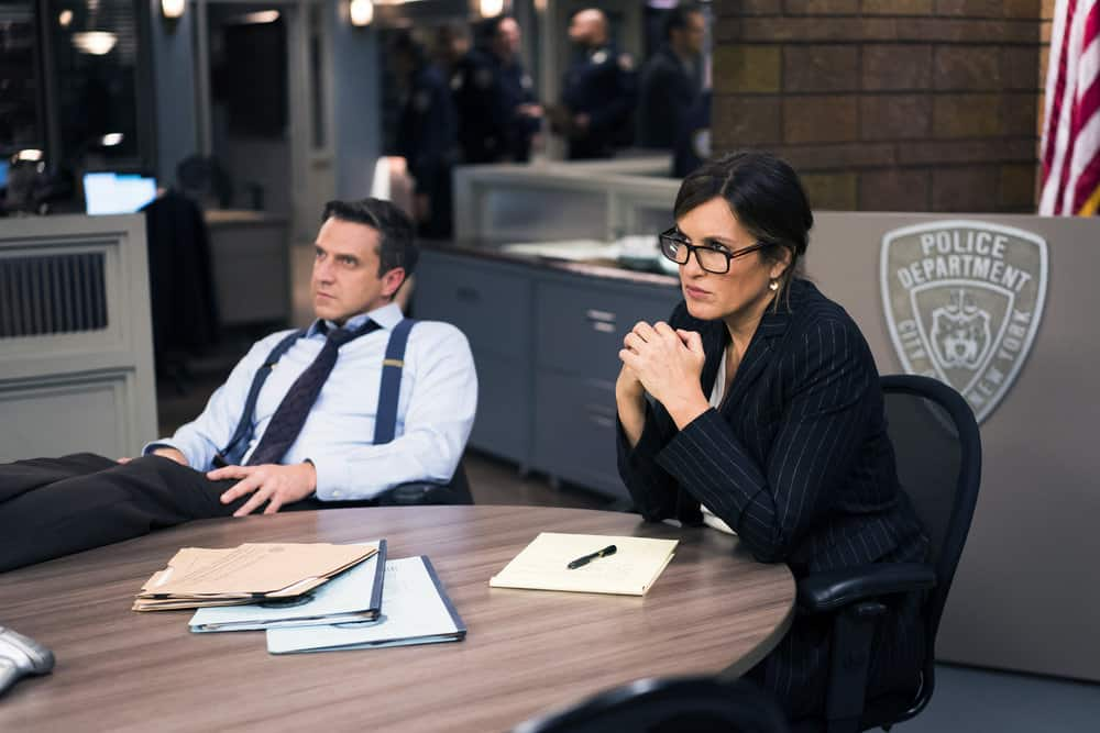 "LAW & ORDER: SPECIAL VICTIMS UNIT -- ""Complicated"" Episode 1905 -- Pictured: (l-r) Raúl Esparza as A.D.A. Rafael Barba, Mariska Hargitay as Lieutenant Olivia Benson -- (Photo by: Michael Parmelee/NBC)"