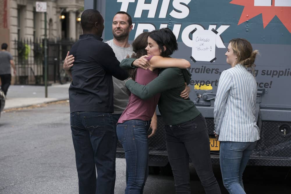"BLINDSPOT -- ""Back to the Grind"" Episode 301 -- Pictured: (l-r) Sullivan Stapleton as Kurt Weller, Jaimie Alexander as Jane Doe, Ashley Johnson as Patterson -- (Photo by: Virginia Sherwood/NBC)"