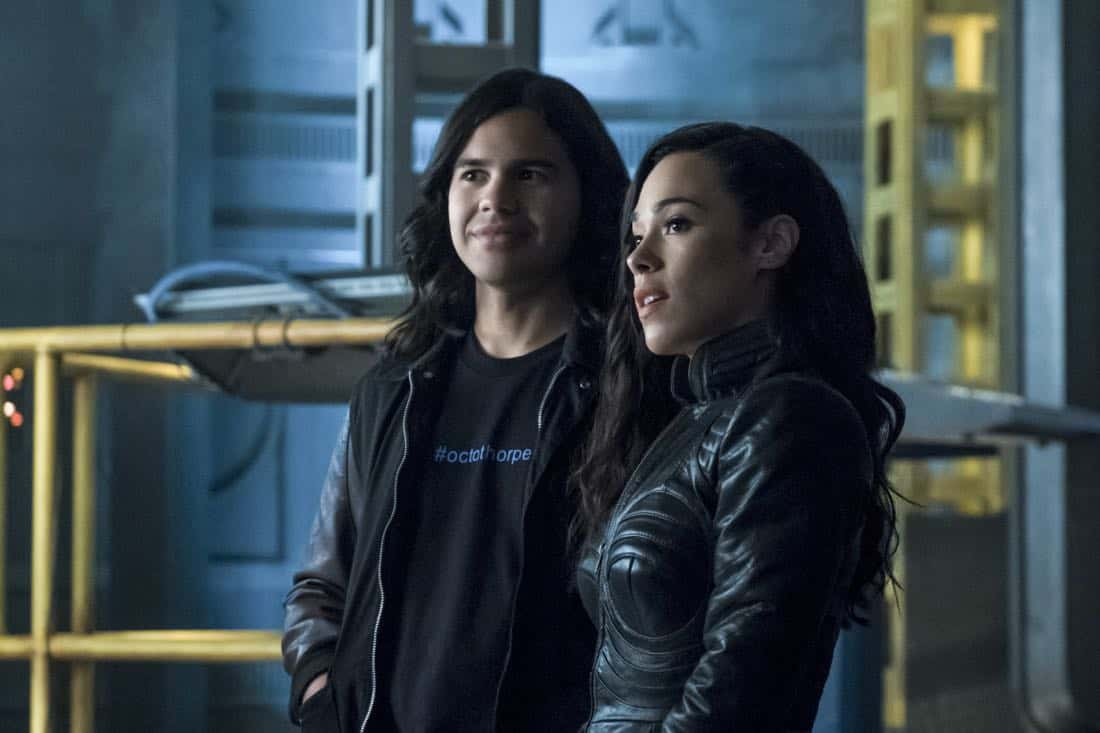 "The Flash -- ""Elongated Journey Into Night"" -- Image Number: FLA404b_0010b.jpg -- Pictured (L-R): Carlos Valdes as Cisco Ramon and Jessica Camacho as Gypsy -- Photo: Katie Yu/The CW -- © 2017 The CW Network, LLC. All rights reserved."