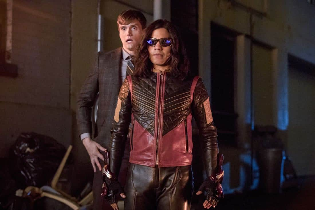 "The Flash -- ""Elongated Journey Into Night"" -- Image Number: FLA404a_0400b.jpg -- Pictured (L-R): Hartley Sawyer as Dibney and Carlos Valdes as Vibe -- Photo: Jack Rowand/The CW -- © 2017 The CW Network, LLC. All rights reserved."