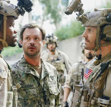 """The Spinning Wheel"" -- The SEAL Team must work with Jason's longtime rival, Beau Fuller (Sharif Atkins), and his team to plan and perfect a raid under the watchful eye of top military brass. Also, Clay delivers solemn news to a teammate's next of kin, on SEAL TEAM, Wednesday, Nov. 1 (9:00-10:00 PM, ET/PT) on the CBS Television Network. Pictured left to right: Judd Lormand as Blackburn and David Boreanaz as Jason Hayes. Photo: Erik Voake/CBS ©2017 CBS Broadcasting, Inc. All Rights Reserved"