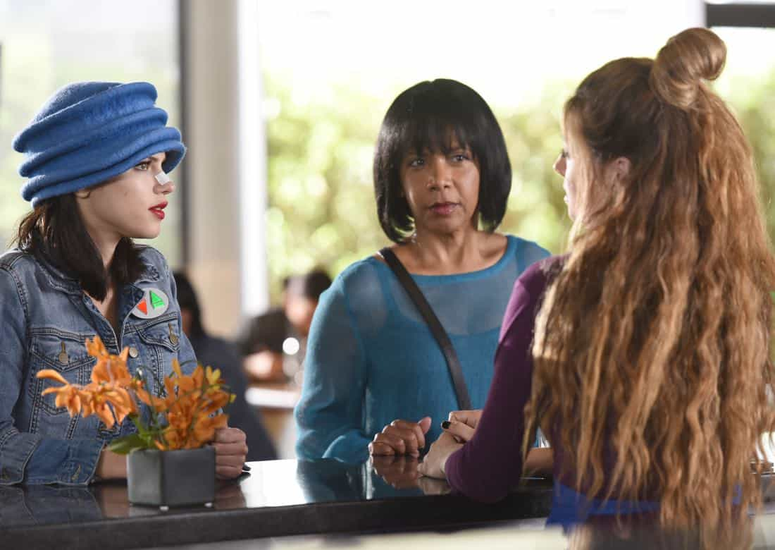 "THE ORVILLE:  L-R:  Halston Sage, Penny Johnson Jerald and guest star Giorgia Whigham in the ""Majority Rule"" episode of THE ORVILLE airing Thursday, Oct. 26 (9:01-10:00 PM ET/PT) on FOX.  ©2017 Fox Broadcasting Co. Cr:  Michael Becker/FOX"