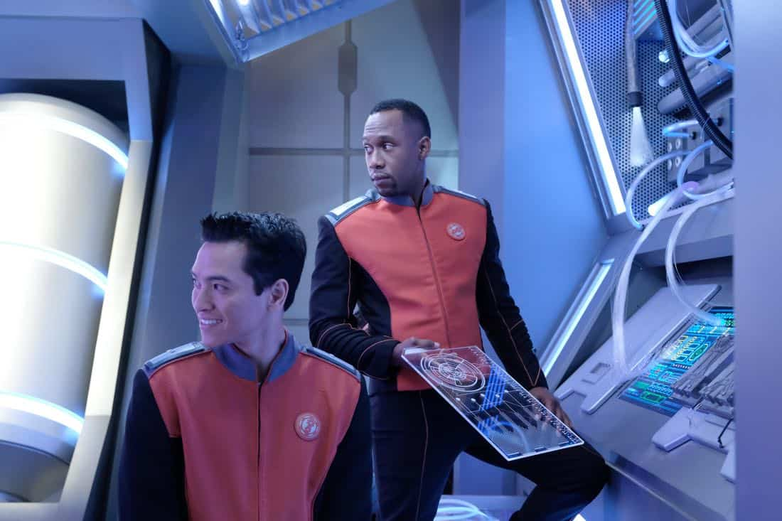 "THE ORVILLE:  J Lee (R) in the ""Into The Fold"" episode of THE ORVILLE airing Thursday, Nov. 2 (9:01-10:00 PM ET/PT) on FOX. ©2017 Fox Broadcasting Co.  Cr:  Ray Mickshaw/FOX"