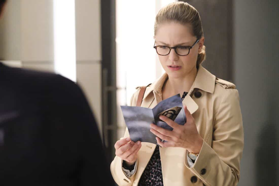 """Supergirl -- """"The Faithful"""" -- SPG304c_0045.jpg ñ Pictured: Melissa Benoist as Kara/Supergirl -- Photo: Bettina Strauss/The CW -- © 2017 The CW Network, LLC. All Rights Reserved"""