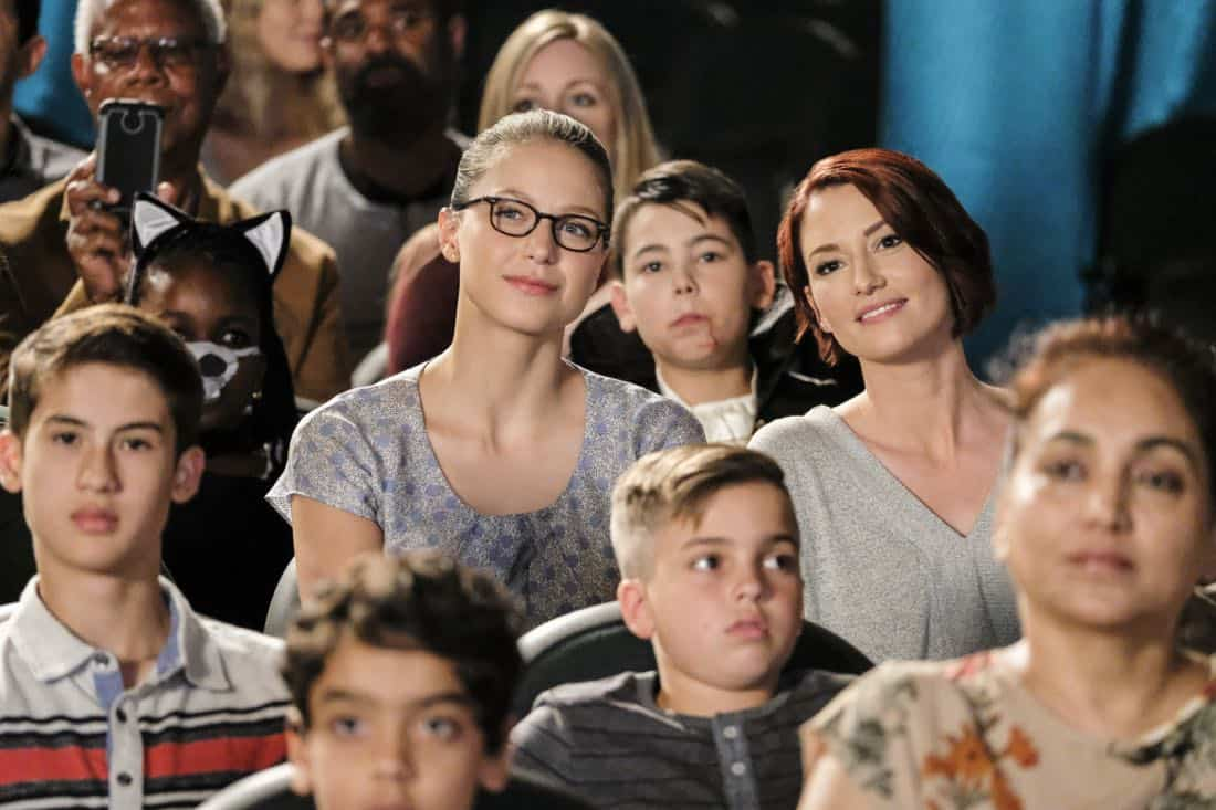"""Supergirl -- """"The Faithful"""" -- SPG304b_0153.jpg ÇƒÏ Pictured (L-R): Melissa Benoist as Kara/Supergirl and Chyler Leigh as Alex Danvers -- Photo: Bettina Strauss/The CW -- ¨© 2017 The CW Network, LLC. All Rights Reserved"""