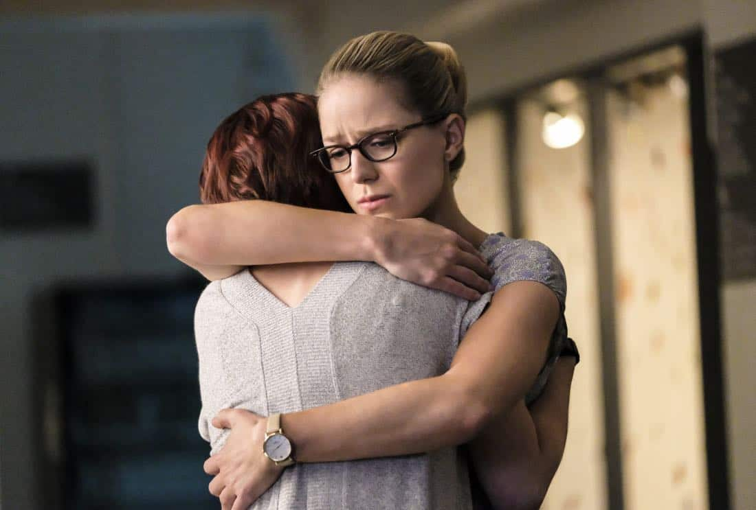 """Supergirl -- """"The Faithful"""" -- SPG304b_0108.jpg ñ Pictured (L-R): Chyler Leigh as Alex Danvers and Melissa Benoist as Kara/Supergirl -- Photo: Bettina Strauss/The CW -- © 2017 The CW Network, LLC. All Rights Reserved"""