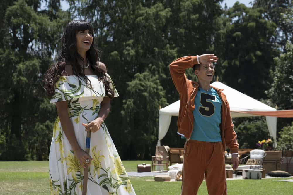 "THE GOOD PLACE -- ""Derek"" Episode 208 -- Pictured: (l-r) Jameela Jamil as Tehani, Manny Jacinto as Jianyu -- (Photo by: Colleen Hayes/NBC)"