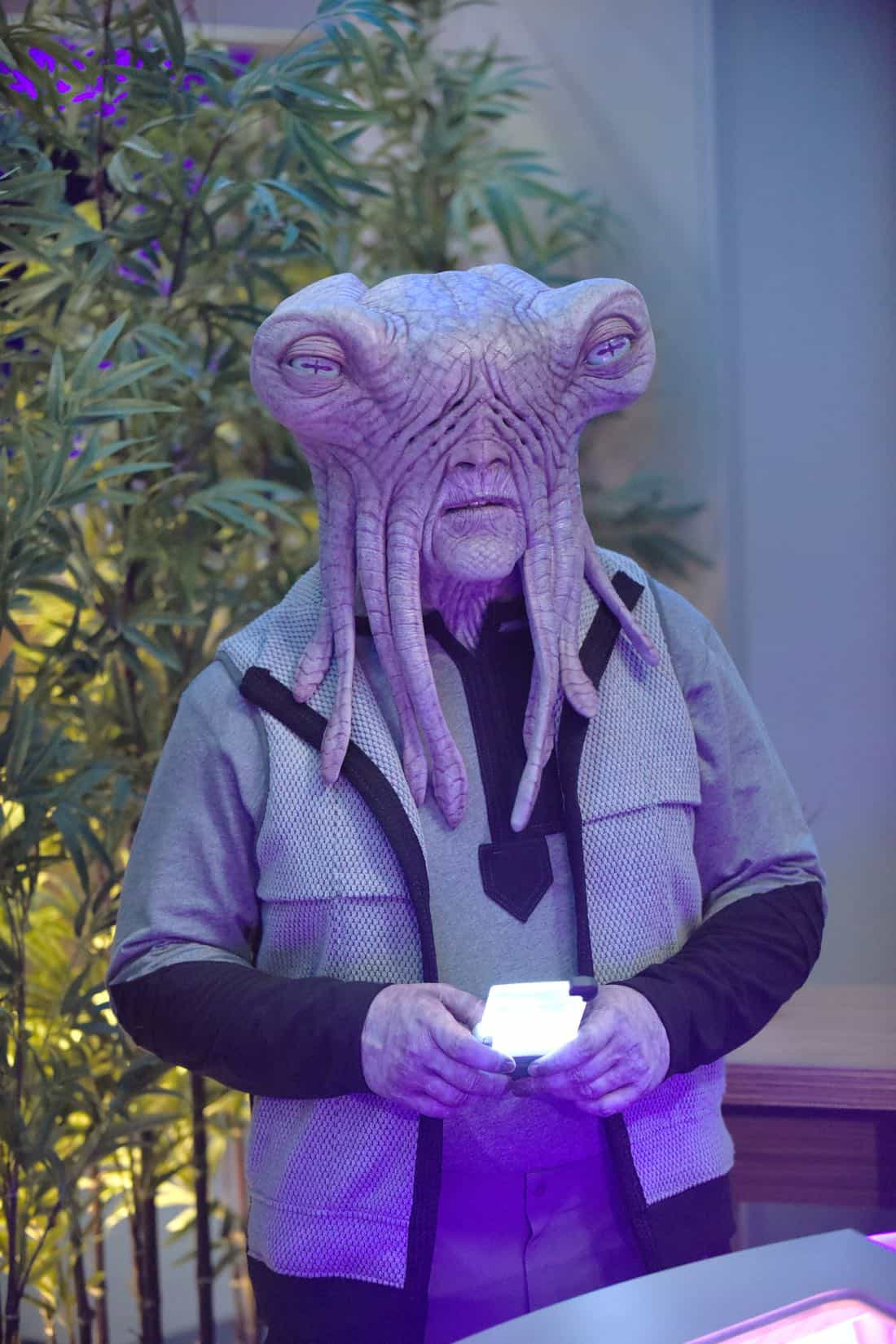 "THE ORVILLE:  Guest star Mike Henry in the ""Cupid's Dagger"" episode of THE ORVILLE airing Thursday, Nov. 9 (9:01-10:00 PM ET/PT) on FOX.  ©2017 Fox Broadcasting Company.  Cr:  Ray Mickshaw/FOX"