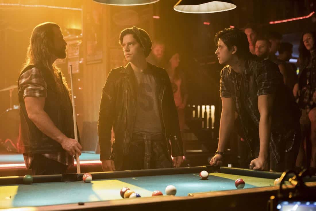 "Riverdale -- ""Chapter Eighteen: When A Stranger Calls"" -- Image Number: RVD205a_0121.jpg -- Pictured (L-R): Scott McNeil as Tall Boy, Cole Sprouse as Jughead Jones and Jordan Connor Yuen as Sweet Pea -- Photo: Dean Buscher/The CW -- © 2017 The CW Network. All Rights Reserved"