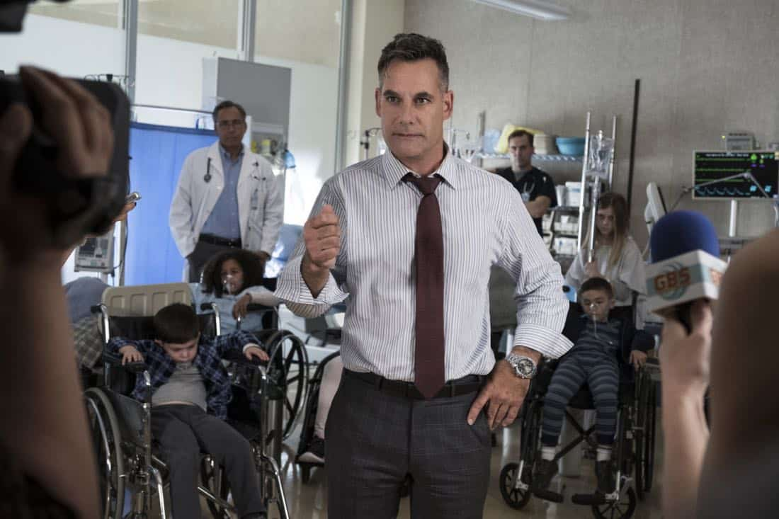 """Supergirl -- """"Damage"""" -- SPG305b_0297.jpg -- Pictured: Adrian Pasdar as Morgan Edge -- Photo: Jeff Weddell/The CW -- © 2017 The CW Network, LLC. All Rights Reserved"""