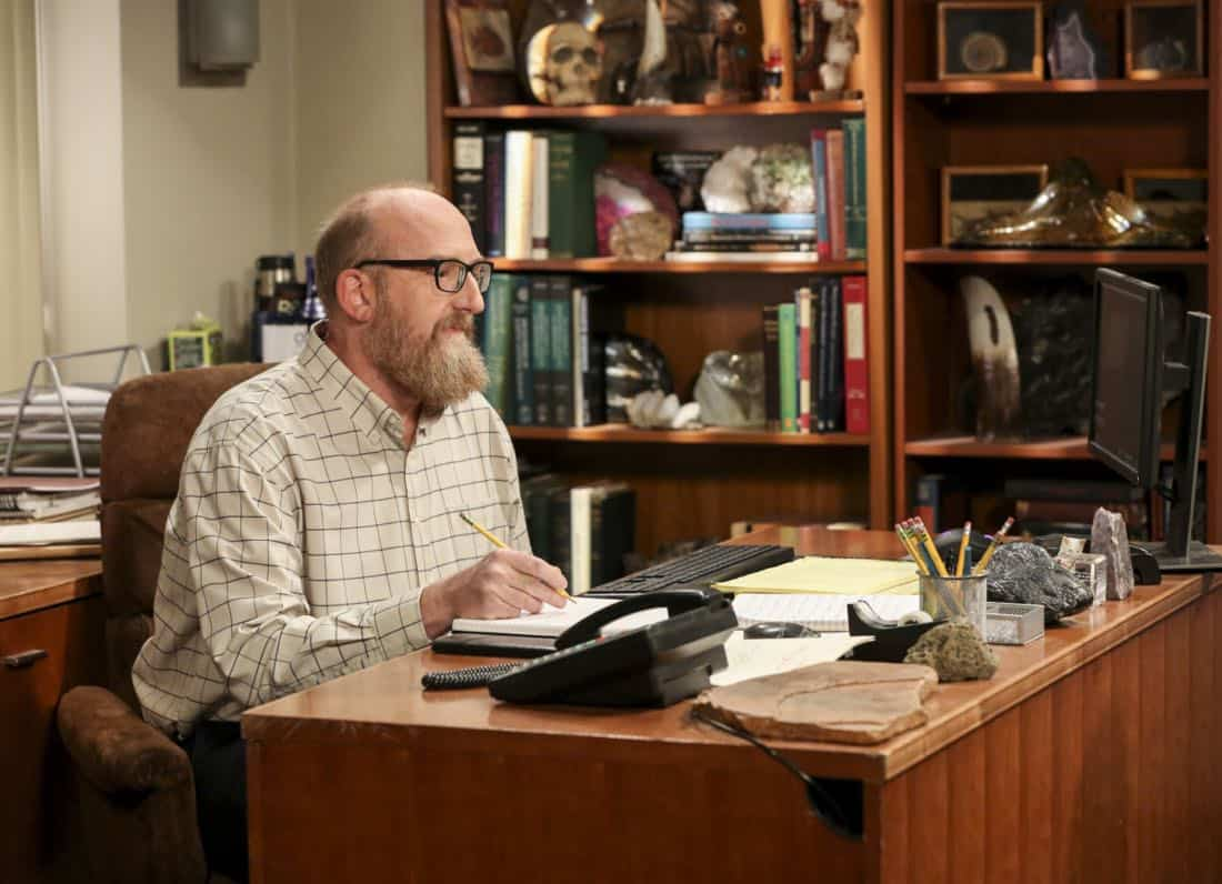 """""""The Geology Methodology"""" – Pictured: Bert (Brian Posehn). Sheldon and Bert collaborate on a research project, despite Sheldon's embarrassment. Also, Penny and Bernadette coach Koothrappali on how to navigate his relationship with Ruchi (Swati Kapila), on THE BIG BANG THEORY, Thursday, Nov. 9 (8:00-8:31 PM, ET/PT), on the CBS Television Network. Photo: Michael Yarish/Warner Bros. Entertainment Inc. © 2017 WBEI. All rights reserved."""