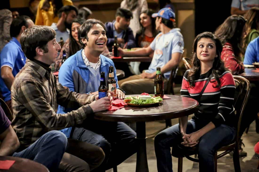 """""""The Geology Methodology"""" – Pictured: Howard Wolowitz (Simon Helberg), Rajesh Koothrappali (Kunal Nayyar) and Ruchi (Swati Kapila). Sheldon and Bert collaborate on a research project, despite Sheldon's embarrassment. Also, Penny and Bernadette coach Koothrappali on how to navigate his relationship with Ruchi (Swati Kapila), on THE BIG BANG THEORY, Thursday, Nov. 9 (8:00-8:31 PM, ET/PT), on the CBS Television Network. Photo: Michael Yarish/Warner Bros. Entertainment Inc. © 2017 WBEI. All rights reserved."""