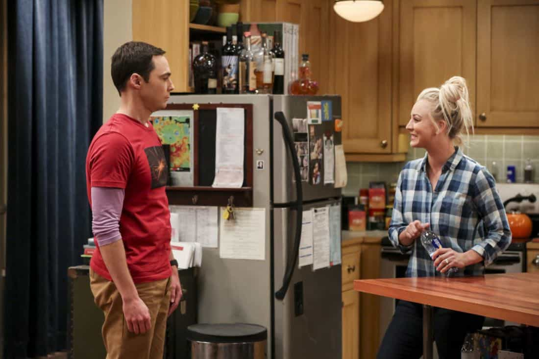 """""""The Geology Methodology"""" – Pictured: Sheldon Cooper (Jim Parsons) and Penny (Kaley Cuoco). Sheldon and Bert collaborate on a research project, despite Sheldon's embarrassment. Also, Penny and Bernadette coach Koothrappali on how to navigate his relationship with Ruchi (Swati Kapila), on THE BIG BANG THEORY, Thursday, Nov. 9 (8:00-8:31 PM, ET/PT), on the CBS Television Network. Photo: Michael Yarish/Warner Bros. Entertainment Inc. © 2017 WBEI. All rights reserved."""