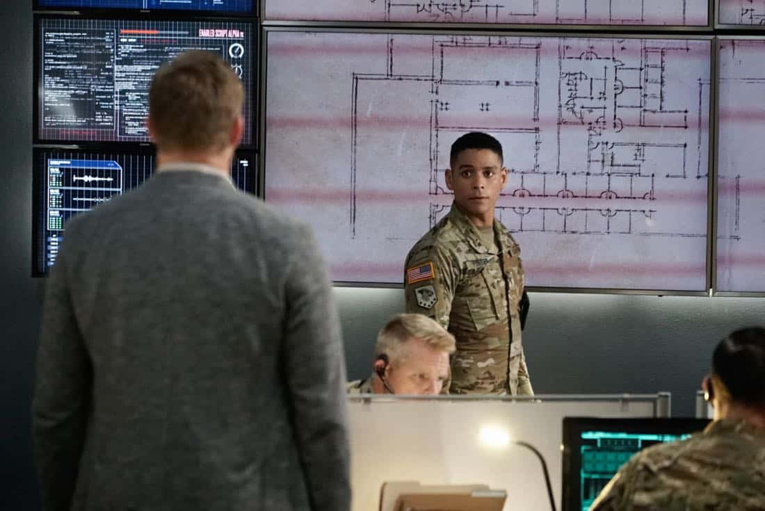 "Valor -- ""Full Battle Rattle"" -- Image Number: VAL105b_0972.jpg -- Pictured (L-R): Brian Letscher as Tucker Magnus and Charlie Barnett as Ian -- Photo: Jace Downs/The CW -- © 2017 The CW Network. All Rights Reserved."