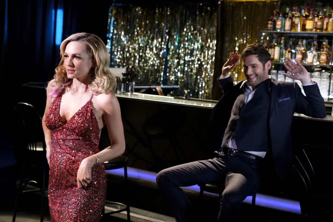 """LUCIFER: L-R: Guest star Lindsay Gort and Tom Ellis in the """"Vegas With Some Radish"""" episode of LUCIFER airing Monday, Nov. 6 (8:00-9:00 PM ET/PT) on FOX. CR: Michael Courtney/FOX"""
