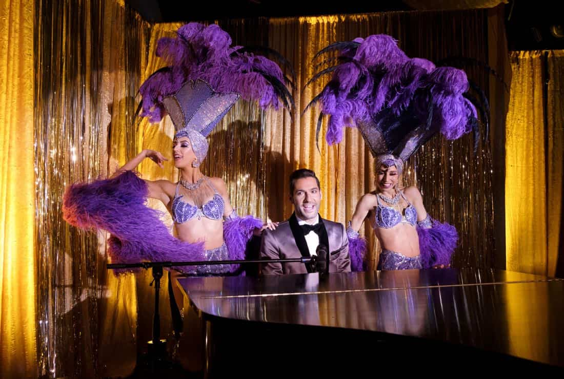 """LUCIFER: Tom Ellis in the """"Vegas With Some Radish"""" episode of LUCIFER airing Monday, Nov. 6 (8:00-9:00 PM ET/PT) on FOX. CR: Michael Courtney/FOX"""