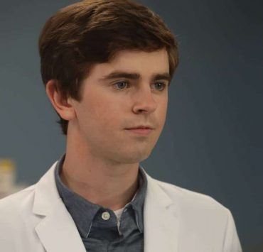 "THE GOOD DOCTOR - ""22 Steps"" - Dr. Shaun Murphy has to confront prejudice from an unlikely source when he takes on the case of a patient with autism, and Dr. Jared Kalu has to learn to accept his limitations as a surgeon. ""The Good Doctor"" airs MONDAY, NOV. 13 (10:01-11:00 p.m. EST), on The ABC Television Network. (ABC/Jack Rowand) FREDDIE HIGHMORE"