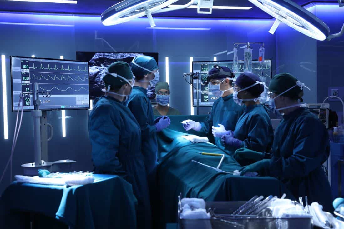 """THE GOOD DOCTOR - """"22 Steps"""" - Dr. Shaun Murphy has to confront prejudice from an unlikely source when he takes on the case of a patient with autism, and Dr. Jared Kalu has to learn to accept his limitations as a surgeon. """"The Good Doctor"""" airs MONDAY, NOV. 13 (10:01-11:00 p.m. EST), on The ABC Television Network. (ABC/Jack Rowand) FREDDIE HIGHMORE, TERYL ROTHERY, NICHOLAS GONZALEZ, ANTONIA THOMAS"""