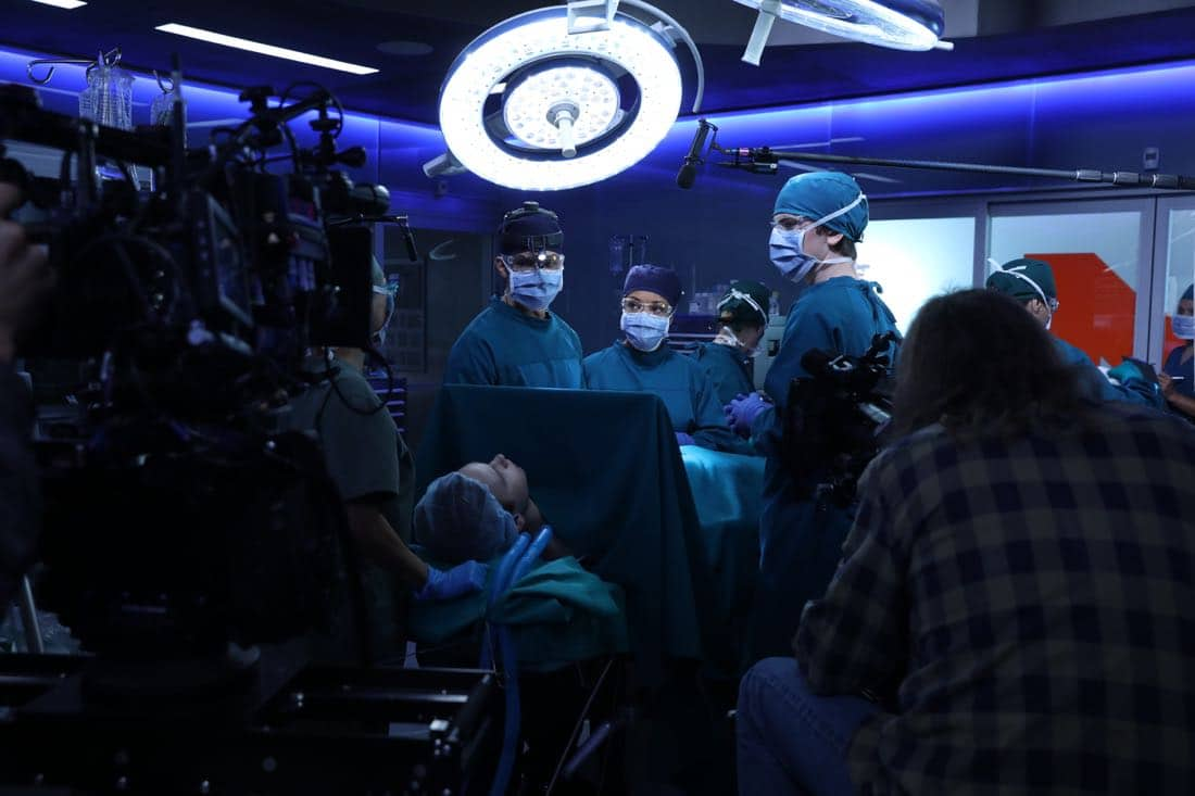 """THE GOOD DOCTOR - """"22 Steps"""" - Dr. Shaun Murphy has to confront prejudice from an unlikely source when he takes on the case of a patient with autism, and Dr. Jared Kalu has to learn to accept his limitations as a surgeon. """"The Good Doctor"""" airs MONDAY, NOV. 13 (10:01-11:00 p.m. EST), on The ABC Television Network. (ABC/Jack Rowand) NICHOLAS GONZALEZ, ANTONIA THOMAS, FREDDIE HIGHMORE"""