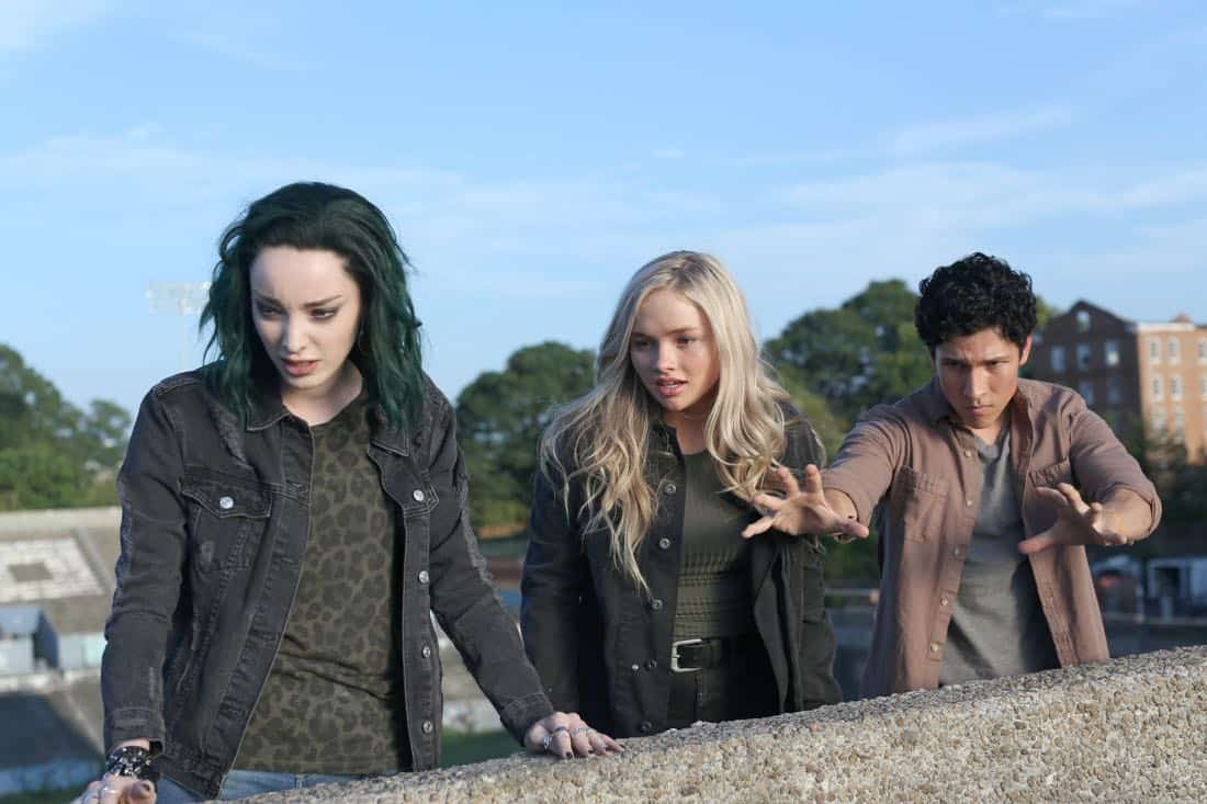 """THE GIFTED:  L-R:  Emma Dumont, Natalie Alyn Lind and guest star Danny Ramirez in the """"got your siX"""" episode of THE GIFTED airing Monday, Nov. 6 (9:00-10:00 PM ET/PT) on FOX.  ©2017 Fox Broadcasting Co.  Cr:  Eliza Morse/FOX"""