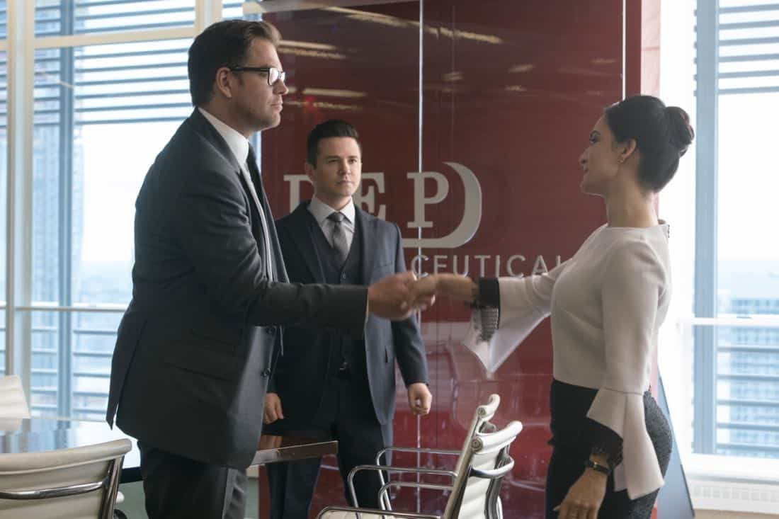 """""""The Devil, The Detail""""-- Bull agrees to help the parents of a former employee sue a drug company when their son commits suicide during a drug trial. However, the task is complicated when the company brings in their own trial scientist, Arti Cander (Emmy Award winner Archie Panjabi),  on BULL, Tuesday, Nov 14 (9:00-10:00 PM, ET/PT) on the CBS Television Network. Pictured L-R: Michael Weatherly as Dr. Jason Bull, Freddy Rodriguez as Benny Colón, and Archie Punjabi as Arti Cander Photo: David Giesbrecht/CBS ©2017 CBS Broadcasting, Inc. All Rights Reserved"""