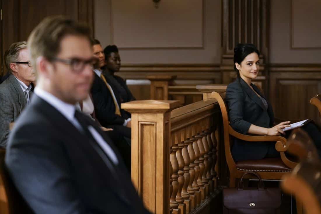 """""""The Devil, The Detail""""-- Bull agrees to help the parents of a former employee sue a drug company when their son commits suicide during a drug trial. However, the task is complicated when the company brings in their own trial scientist, Arti Cander (Emmy Award winner Archie Panjabi),  on BULL, Tuesday, Nov 14 (9:00-10:00 PM, ET/PT) on the CBS Television Network. Pictured L-R: Michael Weatherly as Dr. Jason Bull and Archiue Punjabi as Arti Cander Photo: Patrick Harbron/CBS ©2017 CBS Broadcasting, Inc. All Rights Reserved"""