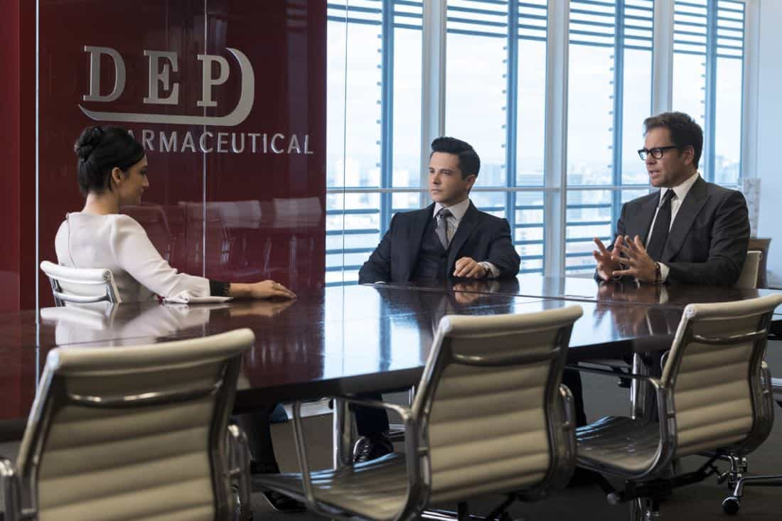 """""""The Devil, The Detail""""-- Bull agrees to help the parents of a former employee sue a drug company when their son commits suicide during a drug trial. However, the task is complicated when the company brings in their own trial scientist, Arti Cander (Emmy Award winner Archie Panjabi), on BULL, Tuesday, Nov 14 (9:00-10:00 PM, ET/PT) on the CBS Television Network. Pictured L-R: Archie Punjabi as Arti Cander, Freddy Rodriguez as Benny Colón, and Michael Weatherly as Dr. Jason Bull Photo: David Giesbrecht/CBS ©2017 CBS Broadcasting, Inc. All Rights Reserved"""