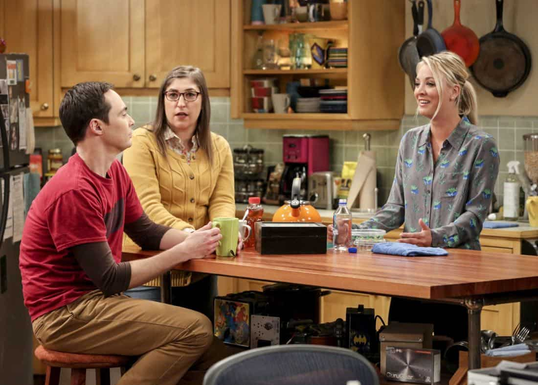 """""""The Bitcoin Entanglement"""" -- Pictured: Sheldon Cooper (Jim Parsons), Amy Farrah Fowler (Mayim Bialik) and Penny (Kaley Cuoco). Sheldon tries to teach the guys a lesson after they cut him out of a potentially valuable Bitcoin investment. Also, a seven-year-old video reveals a secret about Leonard and Penny's relationship, on THE BIG BANG THEORY, Thursday, Nov. 30 (8:00-8:31 PM, ET/PT) on the CBS Television Network. Photo: Michael Yarish/Warner Bros. Entertainment Inc. © 2017 WBEI. All rights reserved."""
