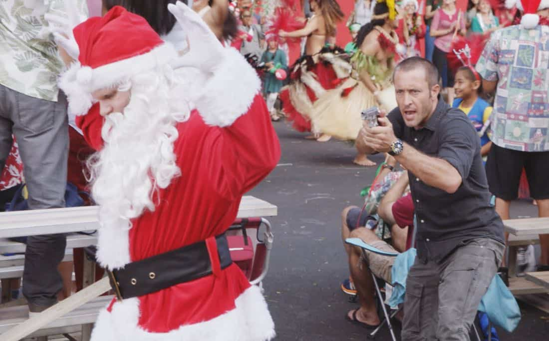"""'Oni kalalea ke kū a ka lā'au loa""-- It's Christmas Eve and Danny tells Charlie a bedtime story about a recent Five-0 case involving bad Santas and a holiday miracle, on HAWAII FIVE-0, at a special time, Friday, Dec. 15 (10:00-11:00 PM, ET/PT) on the CBS Television Network. Real-life military veterans Jason Redman, Steven Jackel, Kathryn Taylor-Smith and J. Eddie Martinez guest star as veterans who help McGarrett with the case. Pictured: Alex O'Loughlin as Steve McGarrett. Photo credit: Screengrab/©2017 CBS Broadcasting, Inc. All Rights Reserved.     (""'Oni kalalea ke kū a ka lā'au loa"" is Hawaiian for ""A Tall Tree Stands Above the Others"")"