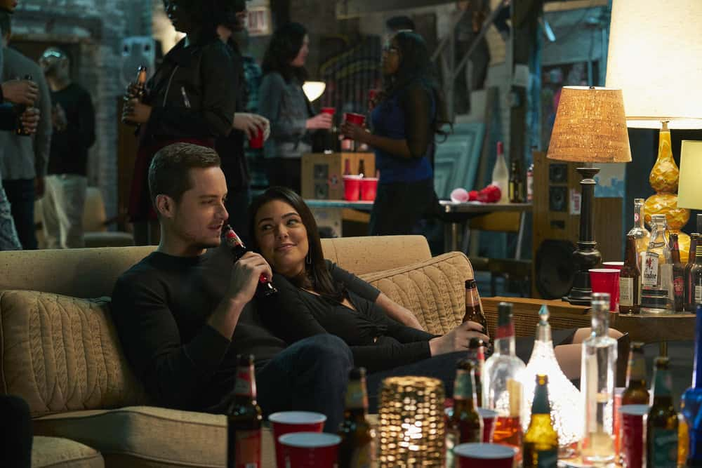 """CHICAGO P.D. -- """"Rabbit Hole"""" Episode 510 -- Pictured: (l-r) Jesse Lee Soffer as Jay Halstead, Anabella Acosta as Camila Vega -- (Photo by: Parrish Lewis/NBC)"""