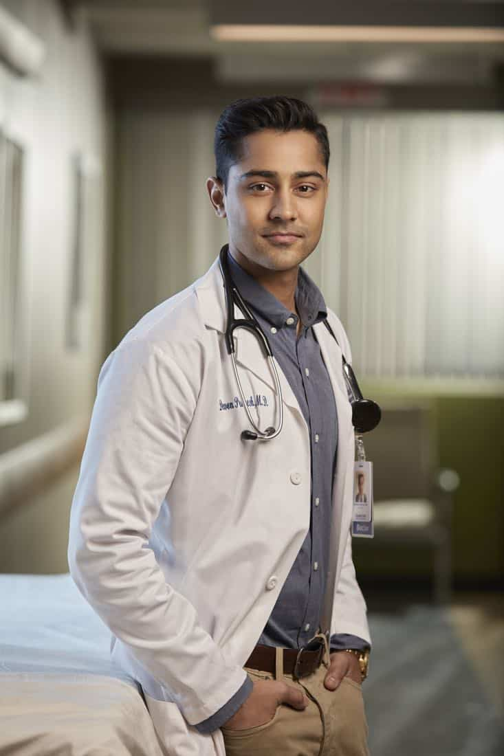 THE RESIDENT: Manish Dayal as Dr. Devon Pravesh in THE RESIDENT premiering Sunday, Jan. 21 (10:00-11:00 PM ET/7:00-8:00 PM PT), following the NFC CHAMPIONSHIP GAME, and makes its time period premiere on Monday, Jan. 22 (9:00-10:00 PM ET/PT).on FOX. ©2017 Fox Broadcasting Co. Cr: David Johnson/FOX