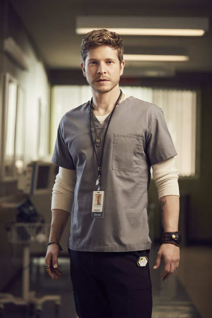 THE RESIDENT: Matt Czuchry as Dr. Conrad Hawkins in THE RESIDENT premiering Sunday, Jan. 21 (10:00-11:00 PM ET/7:00-8:00 PM PT), following the NFC CHAMPIONSHIP GAME, and makes its time period premiere on Monday, Jan. 22 (9:00-10:00 PM ET/PT).on FOX. ©2017 Fox Broadcasting Co. Cr: David Johnson/FOX