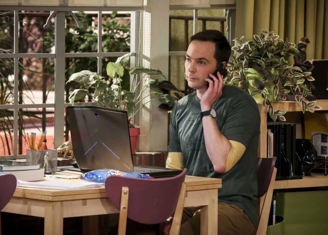 """""""The Solo Oscillation"""" -- Pictured: Sheldon Cooper (Jim Parsons). When Sheldon kicks Amy out to work solo, she and Leonard bond during a series of science experiments. Also, Bert the geologist replaces Wolowitz in the band Footprints on the Moon, and Sheldon finds Penny a surprising source of scientific inspiration, on THE BIG BANG THEORY, Thursday, Jan. 11 (8:00-8:31 PM, ET/PT) on the CBS Television Network. Laurie Metcalf returns as Sheldon's mother, Mary. Photo: Michael Yarish/Warner Bros. Entertainment Inc. © 2017 WBEI. All rights reserved."""