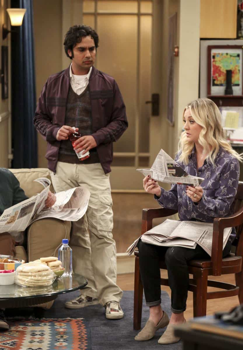 """""""The Solo Oscillation"""" -- Pictured: Rajesh Koothrappali (Kunal Nayyar) and Penny (Kaley Cuoco). When Sheldon kicks Amy out to work solo, she and Leonard bond during a series of science experiments. Also, Bert the geologist replaces Wolowitz in the band Footprints on the Moon, and Sheldon finds Penny a surprising source of scientific inspiration, on THE BIG BANG THEORY, Thursday, Jan. 11 (8:00-8:31 PM, ET/PT) on the CBS Television Network. Laurie Metcalf returns as Sheldon's mother, Mary. Photo: Michael Yarish/Warner Bros. Entertainment Inc. © 2017 WBEI. All rights reserved."""