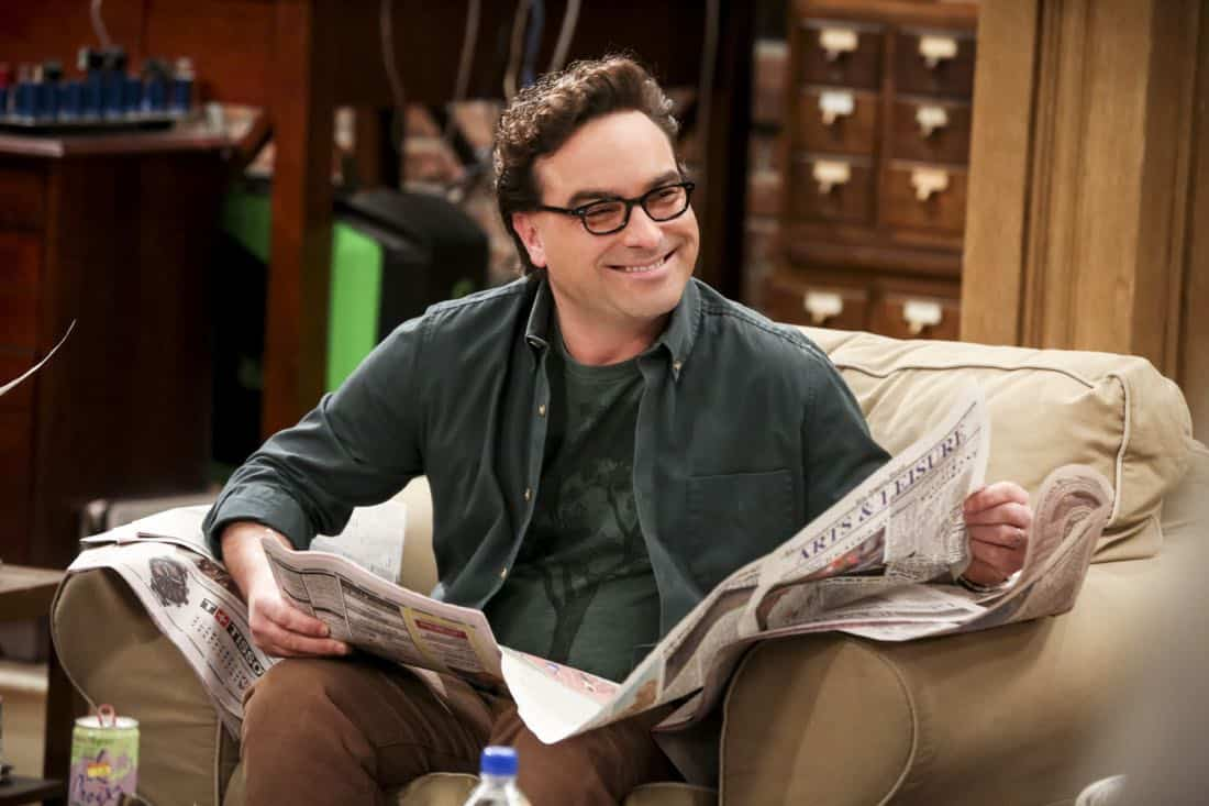 """""""The Solo Oscillation"""" -- Pictured: Leonard Hofstadter (Johnny Galecki). When Sheldon kicks Amy out to work solo, she and Leonard bond during a series of science experiments. Also, Bert the geologist replaces Wolowitz in the band Footprints on the Moon, and Sheldon finds Penny a surprising source of scientific inspiration, on THE BIG BANG THEORY, Thursday, Jan. 11 (8:00-8:31 PM, ET/PT) on the CBS Television Network. Laurie Metcalf returns as Sheldon's mother, Mary. Photo: Michael Yarish/Warner Bros. Entertainment Inc. © 2017 WBEI. All rights reserved."""