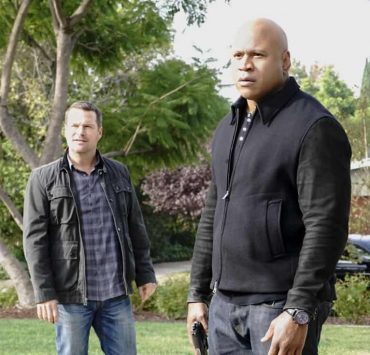 """""""Under Pressure"""" -- Pictured: Chris O'Donnell (Special Agent G. Callen) and LL COOL J (Special Agent Sam Hanna). After napalm is detected at a crime scene, the NCIS team investigates the sole casualty for possible links to terrorism, on NCIS: LOS ANGELES, Sunday, Jan. 7 (9:00-10:00 PM, ET/PT) on the CBS Television Network. Photo: Bill Inoshita/CBS ©2017 CBS Broadcasting, Inc. All Rights Reserved."""
